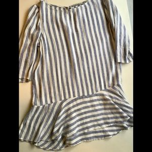Alice + Olivia stripped tunic top size Medium
